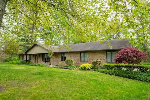 26324 Bell Avenue, Elkhart, IN 46514 (MLS #202117027) :: Hoosier Heartland Team | RE/MAX Crossroads