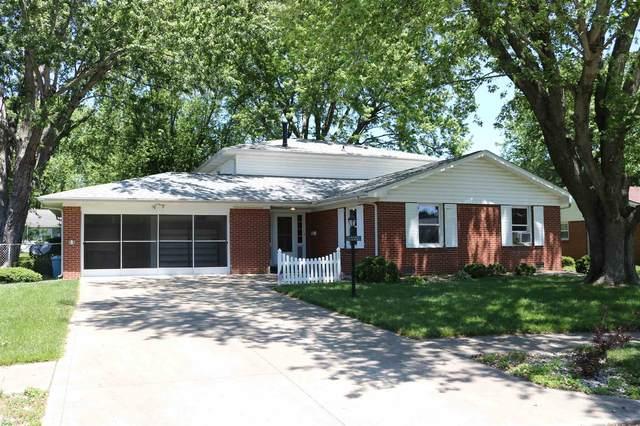 2125 Alton Drive, Kokomo, IN 46901 (MLS #202120151) :: The Romanski Group - Keller Williams Realty