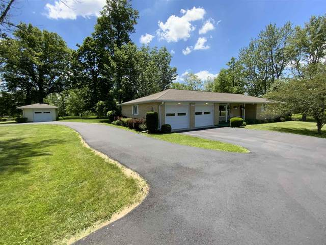 1595 E State Street, Albany, IN 47320 (MLS #202121397) :: The ORR Home Selling Team