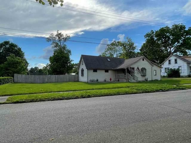 560 Delaware Street, Wabash, IN 46992 (MLS #202121636) :: Parker Team