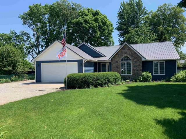 9265 E Doswell Boulevard, Cromwell, IN 46742 (MLS #202121840) :: Parker Team