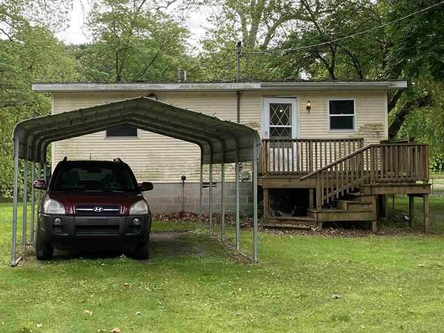 7300 E Red Maple Court, Monticello, IN 47960 (MLS #202121876) :: The Romanski Group - Keller Williams Realty