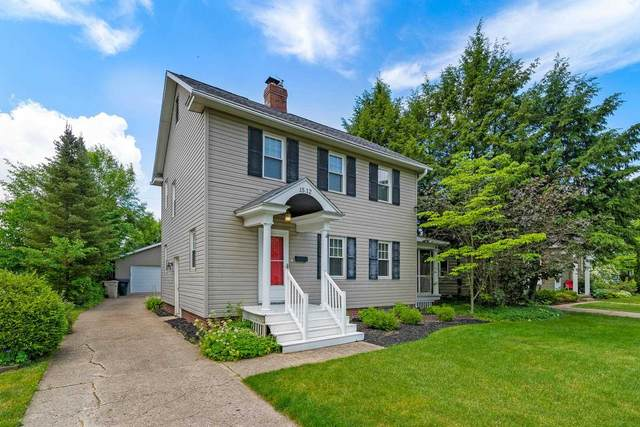 1512 E Madison Street, South Bend, IN 46617 (MLS #202122109) :: Parker Team