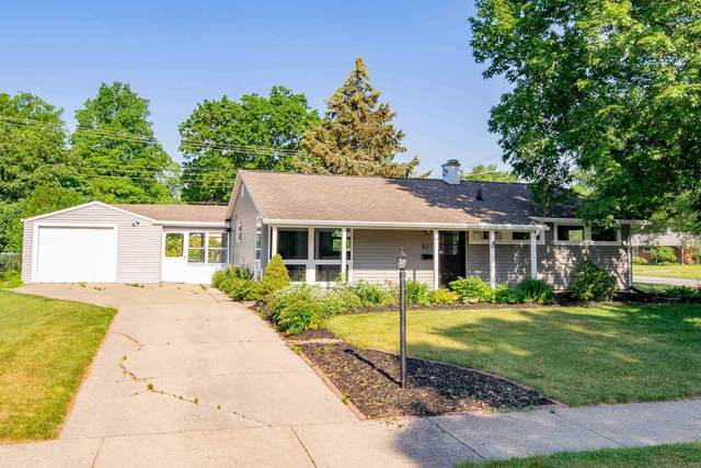837 N Patterson Drive, South Bend, IN 46615 (MLS #202122353) :: Parker Team