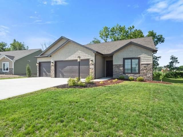 13686 Saddle Creek Lane, Grabill, IN 46741 (MLS #202122439) :: Parker Team