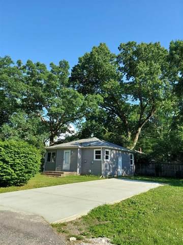 23204 Grove Street, South Bend, IN 46628 (MLS #202122454) :: Parker Team