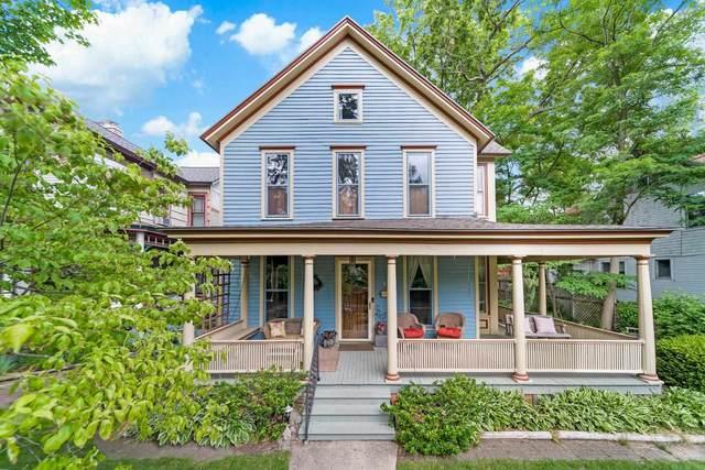 407 W Lamonte Terrace, South Bend, IN 46616 (MLS #202122469) :: Parker Team