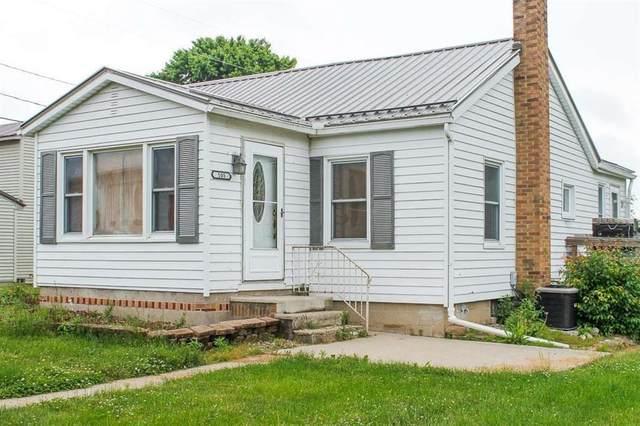 105 N Prairie Street, Atwood, IN 46580 (MLS #202122731) :: Parker Team