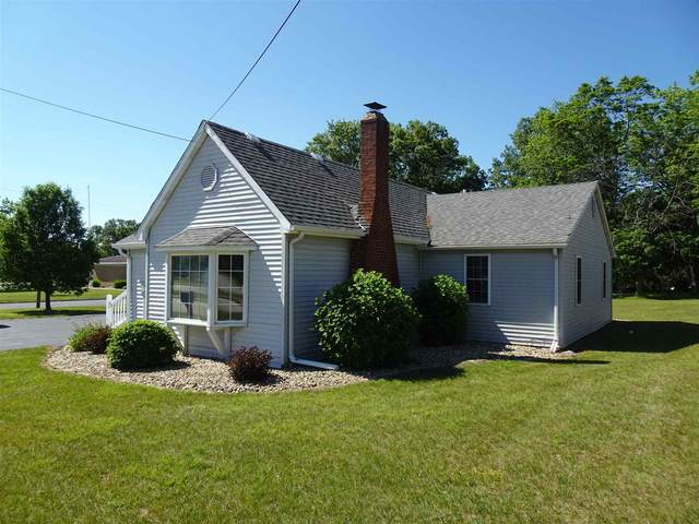 806 W Talmer Avenue, North Judson, IN 46366 (MLS #202123156) :: Aimee Ness Realty Group