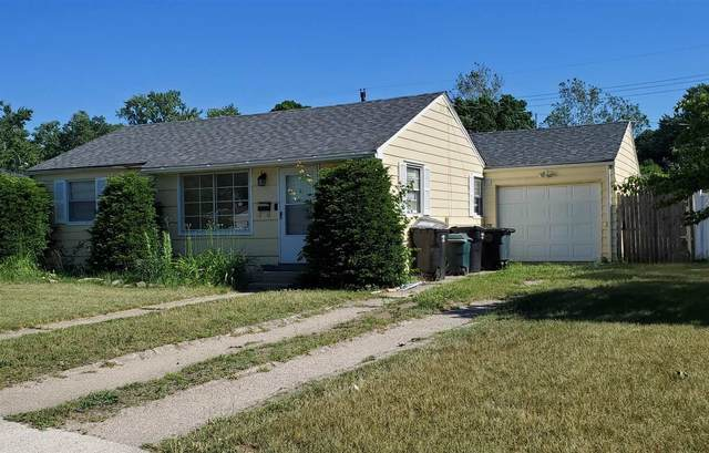 1302 Eastbrook Drive, South Bend, IN 46616 (MLS #202123172) :: The ORR Home Selling Team