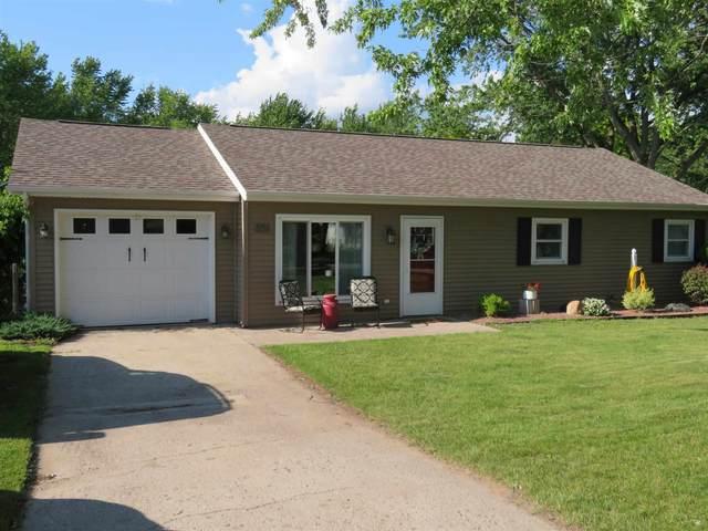 231 E Elm Street, Millersburg, IN 46543 (MLS #202123178) :: The ORR Home Selling Team