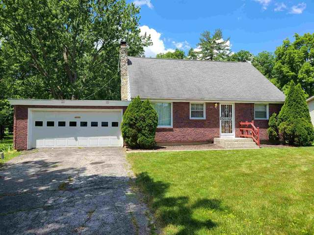 5922 Rolling Hills Drive, Fort Wayne, IN 46804 (MLS #202123182) :: The ORR Home Selling Team
