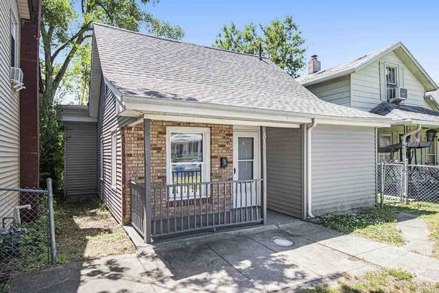 319 W Lawrence Street, Mishawaka, IN 46545 (MLS #202123287) :: Anthony REALTORS