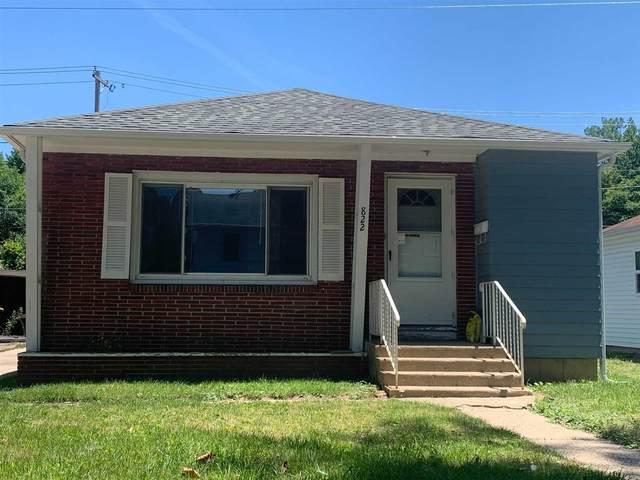 822 Pemberton Drive, Fort Wayne, IN 46805 (MLS #202123471) :: TEAM Tamara
