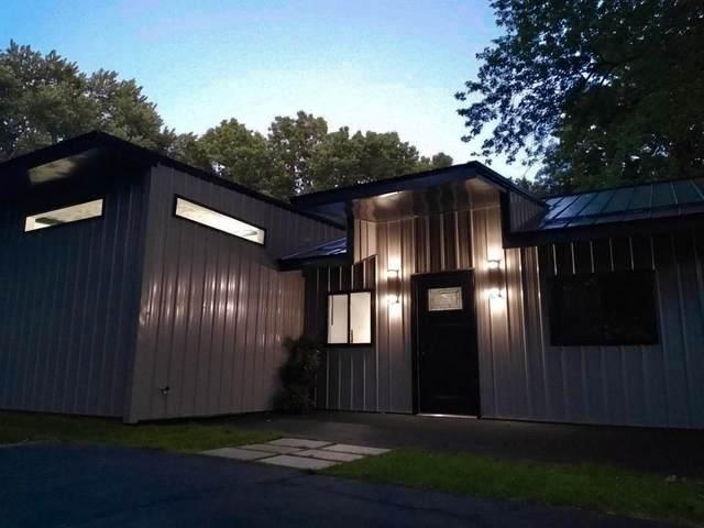 30372 N Meadowbrook Lane, Elkhart, IN 46514 (MLS #202123745) :: Aimee Ness Realty Group