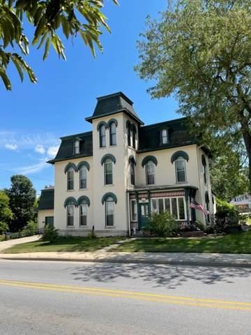 303 E Hackberry Street, Salem, IN 47167 (MLS #202126300) :: Aimee Ness Realty Group