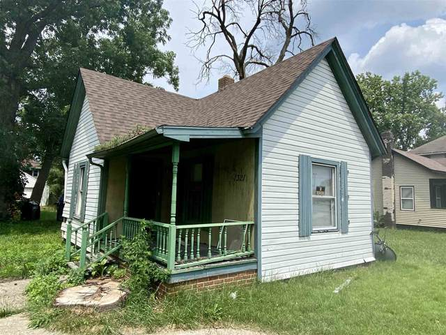 1321 Elwood Avenue, South Bend, IN 46628 (MLS #202126728) :: Aimee Ness Realty Group