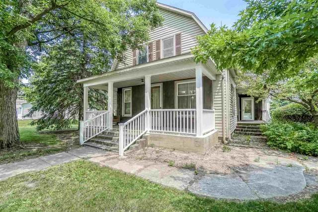 1317 W Lancaster Street, Bluffton, IN 46714 (MLS #202127108) :: Aimee Ness Realty Group