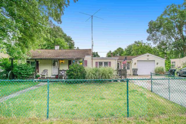 52706 Marks Street, South Bend, IN 46637 (MLS #202128243) :: Aimee Ness Realty Group