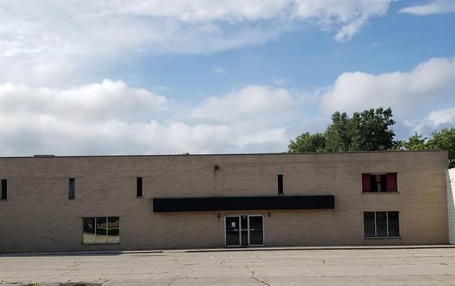 1711 E Creighton Avenue, Fort Wayne, IN 46803 (MLS #202128395) :: JM Realty Associates, Inc.