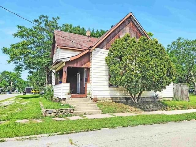 2722 S Boots Street, Marion, IN 46953 (MLS #202128605) :: The Romanski Group - Keller Williams Realty