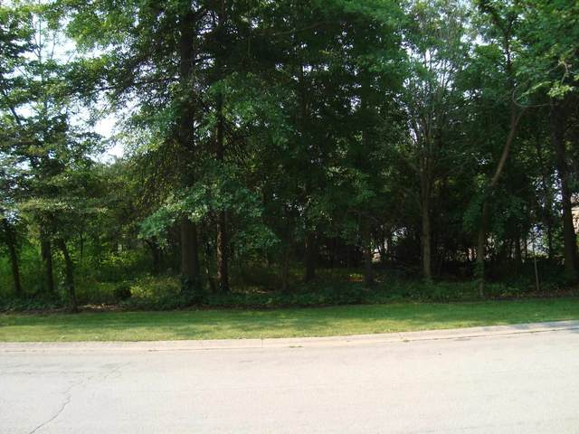 214 Oak Forest Drive, Bluffton, IN 46714 (MLS #202128810) :: The Harris Jarboe Group | Keller Williams Capital Realty
