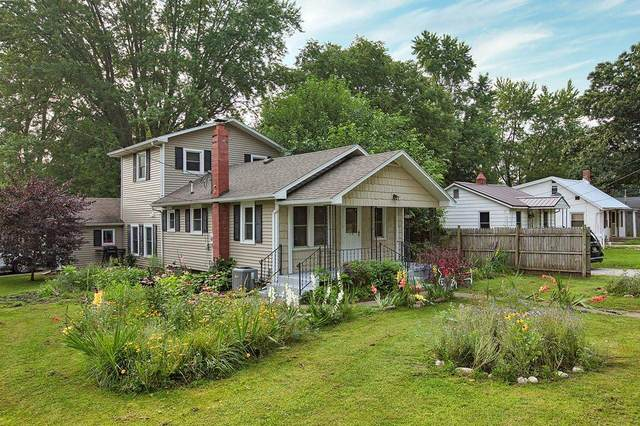 58528 County Road 13, Elkhart, IN 46516 (MLS #202128991) :: Aimee Ness Realty Group