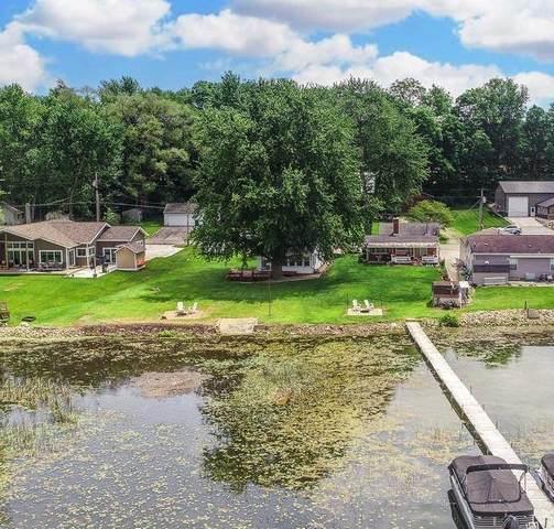 1041 Chapman Lake Drive, Warsaw, IN 46580 (MLS #202129064) :: TEAM Tamara