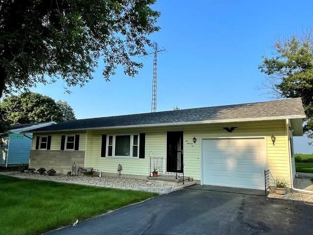 104 S Garr Street, Walton, IN 46994 (MLS #202129406) :: The Romanski Group - Keller Williams Realty