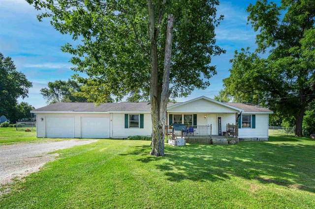 806 E Main Street, Silver Lake, IN 46982 (MLS #202130342) :: Aimee Ness Realty Group