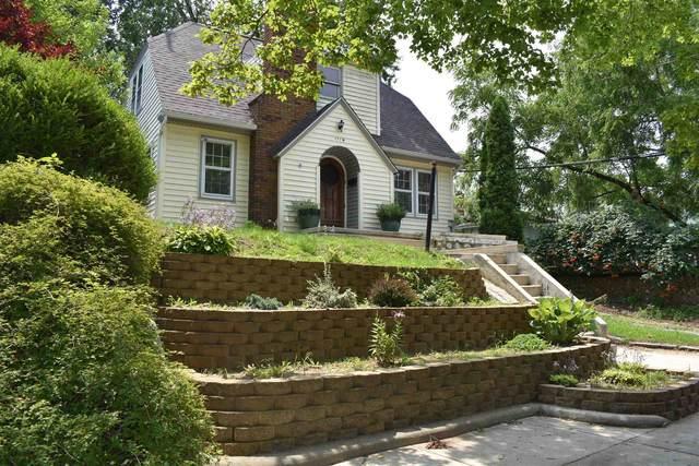 1114 E Victoria Street, South Bend, IN 46614 (MLS #202130613) :: JM Realty Associates, Inc.