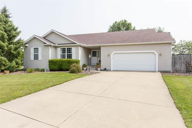 52328 Oak Manor Drive, Granger, IN 46530 (MLS #202130629) :: Aimee Ness Realty Group