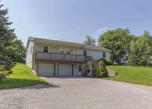 1825 N St Rd 827, Angola, IN 46703 (MLS #202130645) :: The ORR Home Selling Team