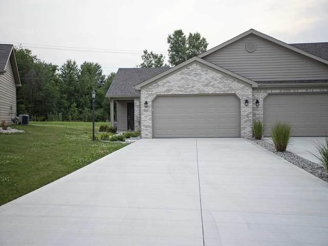 2207 Chandler Way, Auburn, IN 46706 (MLS #202130739) :: JM Realty Associates, Inc.