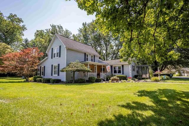 8205 W Cornbread Road, Yorktown, IN 47396 (MLS #202130905) :: The ORR Home Selling Team