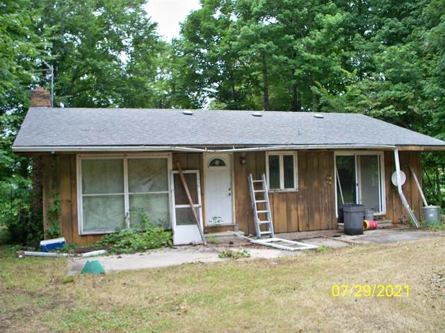 22420 County Ro 36 Route, Goshen, IN 46526 (MLS #202131036) :: Aimee Ness Realty Group