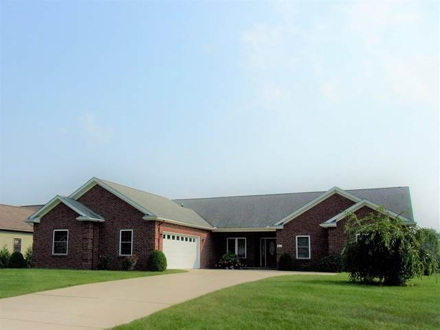 12054 Clearwater Drive, Monticello, IN 47960 (MLS #202131215) :: The Romanski Group - Keller Williams Realty