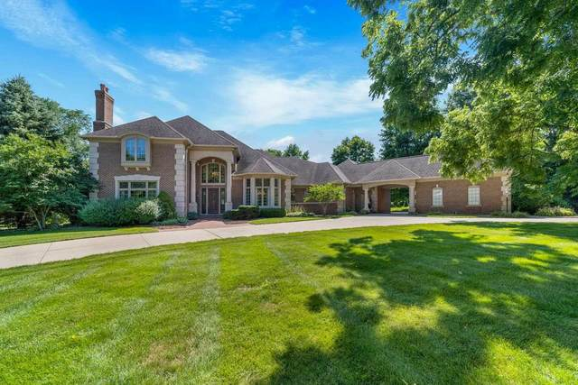 3409 Meadow Hill Drive, South Bend, IN 46614 (MLS #202131636) :: The Harris Jarboe Group | Keller Williams Capital Realty