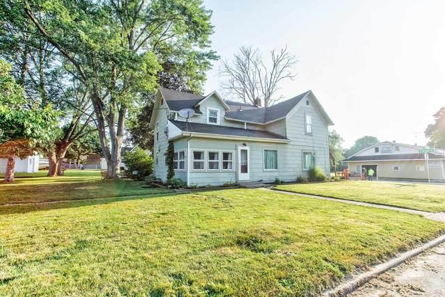 750 Maple Street, Monticello, IN 47960 (MLS #202131918) :: The Romanski Group - Keller Williams Realty