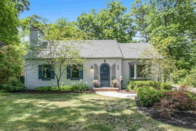 2211 Riverside Drive, South Bend, IN 46616 (MLS #202131968) :: Aimee Ness Realty Group