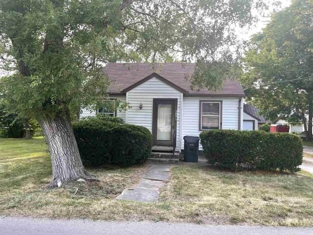 202 N Mulberry Street, Farmland, IN 47340 (MLS #202132932) :: The ORR Home Selling Team