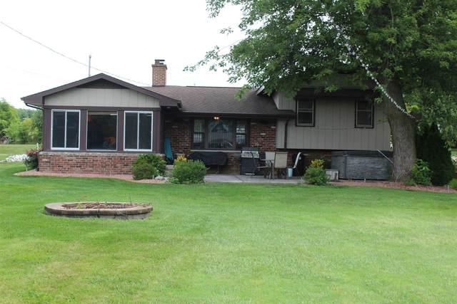 3256 N Hummingbird Drive, Monticello, IN 47960 (MLS #202134376) :: The Romanski Group - Keller Williams Realty