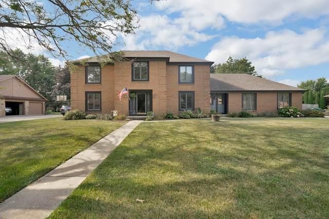 3601 Lyons Drive, Kokomo, IN 46902 (MLS #202135155) :: The Romanski Group - Keller Williams Realty