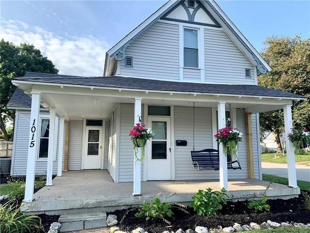 1015 W Market Street, Crawfordsville, IN 47933 (MLS #202136342) :: The Romanski Group - Keller Williams Realty