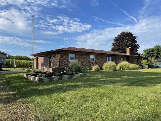 7720 E 620 South Road, Wolcottville, IN 46795 (MLS #202137132) :: Parker Team