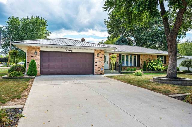 2708 Wayside Court, Warsaw, IN 46582 (MLS #202138167) :: Aimee Ness Realty Group