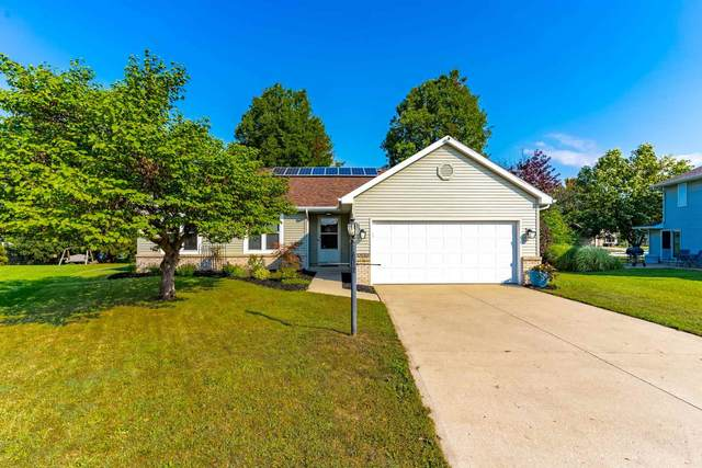 10815 Towpath Court, New Haven, IN 46774 (MLS #202138801) :: TEAM Tamara