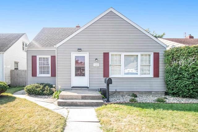 1446 Fox Street, South Bend, IN 46613 (MLS #202138851) :: Parker Team