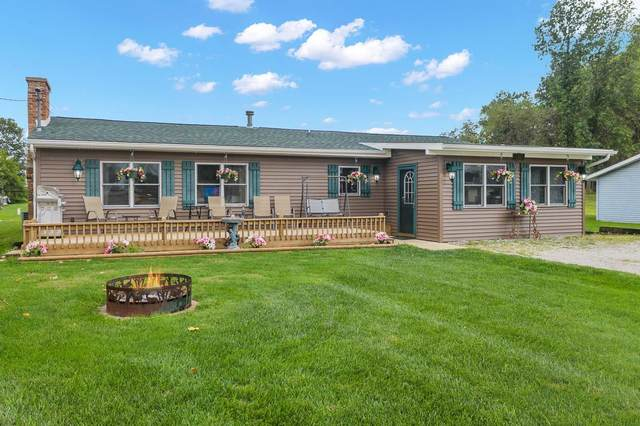 140 Lane 251 Lake Pleasant, Orland, IN 46776 (MLS #202139747) :: Aimee Ness Realty Group
