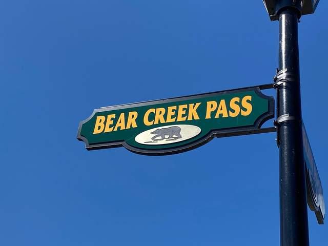 5622 Bear Creek Pass, Auburn, IN 46706 (MLS #202140022) :: TEAM Tamara